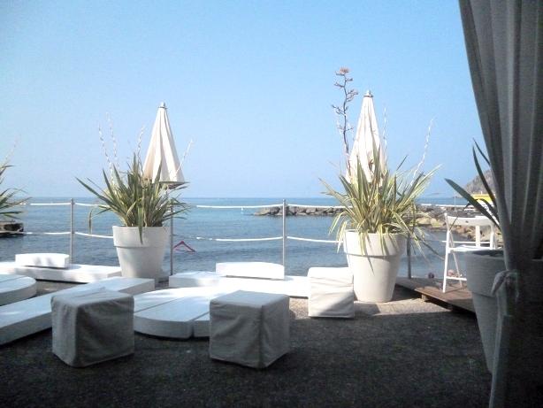 Genuss Essen mit Blick aufs Meer in Ligurien!