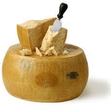 Eine Form Parmesankäse wiegt bis zu 40 kg!