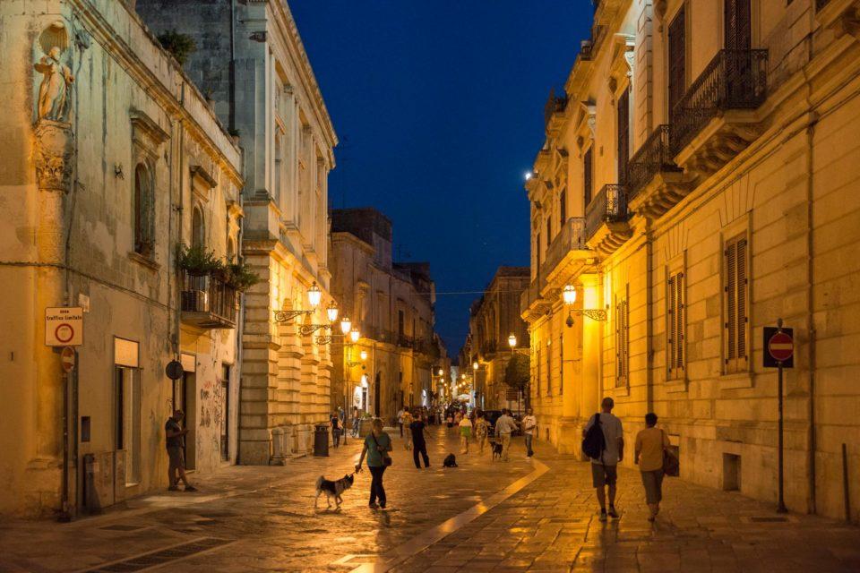 Lecce bei Nacht