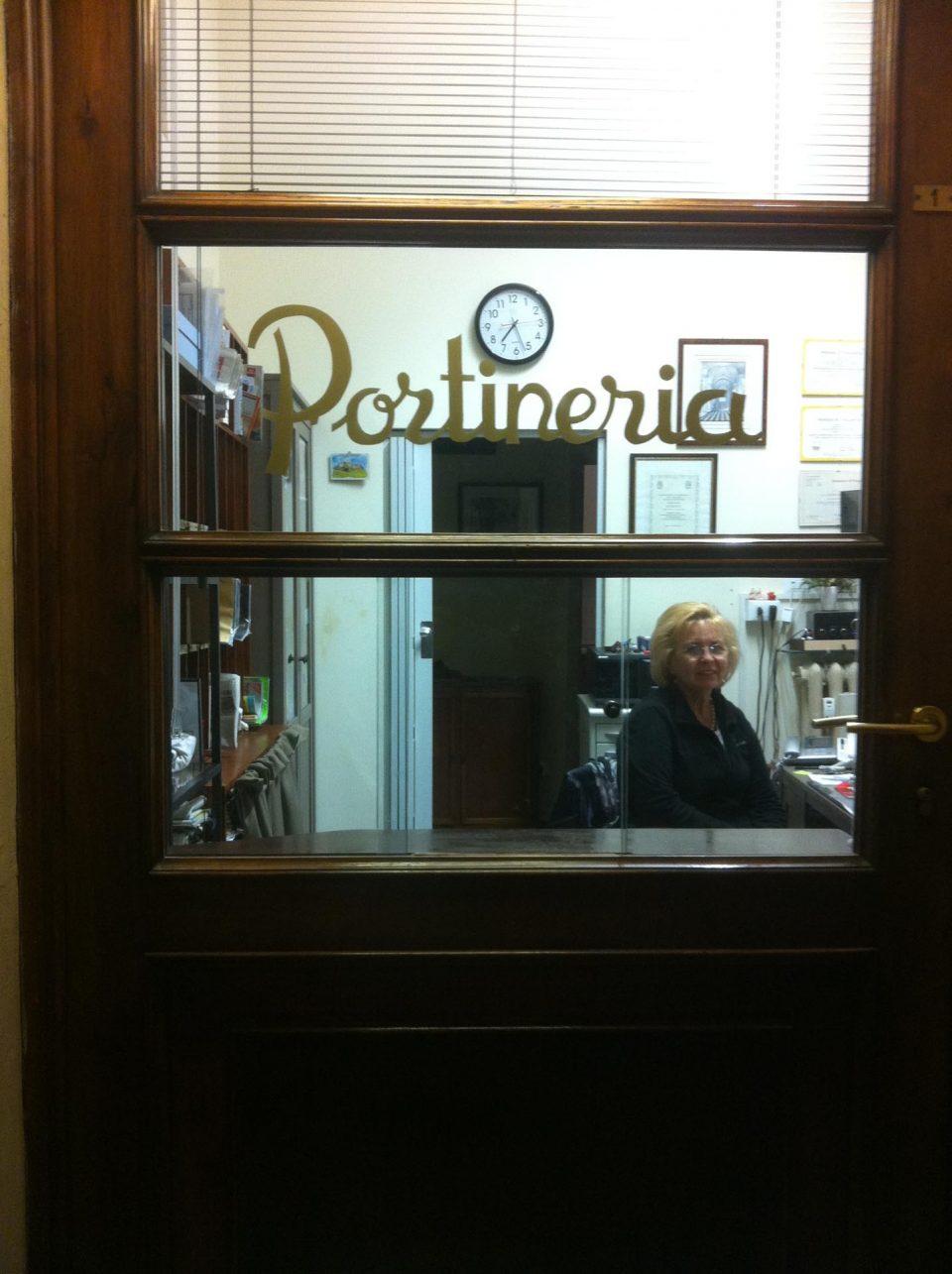 Emilia-Romagna- Pförtnerin in Bologna