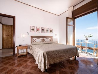Hotel Bacco in Furore: Zimmer mit Balkon