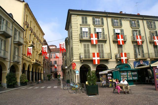 Asti - Unterwegs in der Stadt