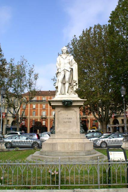 Asti - Die Heimatstadt des Dichters und Dramatikers Vittorio Alfieri