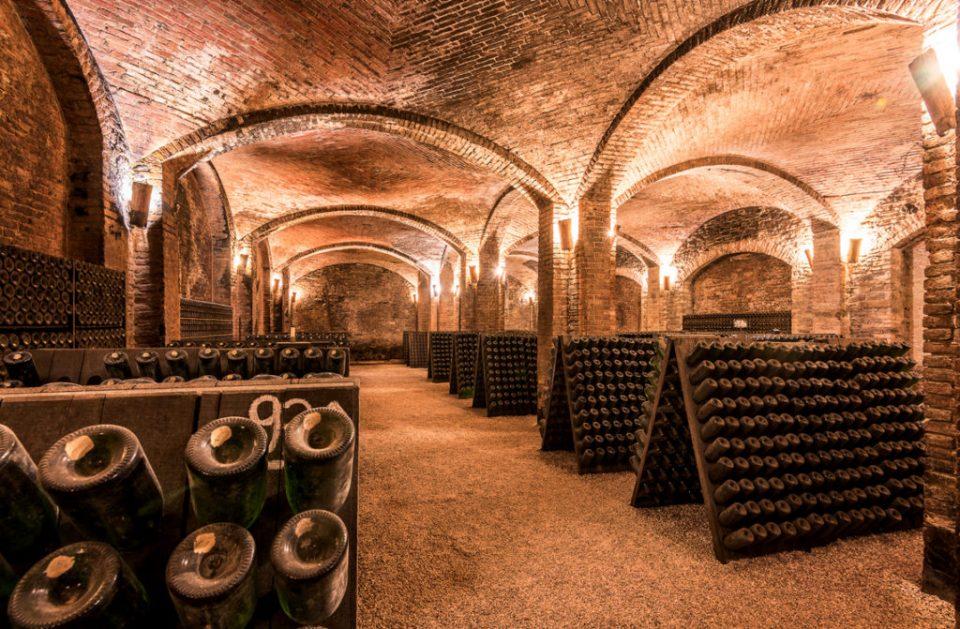 Unesco Weltkulturerbestätte, die unterirdischen Weinkellereien von Canelli
