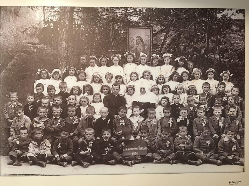 """""""Hoamet"""" Tramin Museum, Familienfoto"""