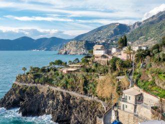 Die Wohnung Belvedere und das Studio Lucio in Manarola bieten Balkon und Blick über das Meer und zu den Dörfern der Cinque Terre